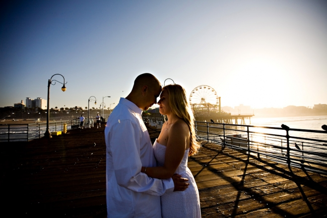 santa-monica-pier-engagement-pictures-photos